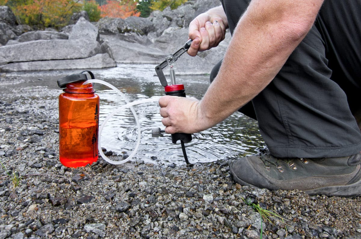 15 Best Hiking Water Filters & [FREE 2019 Guide]