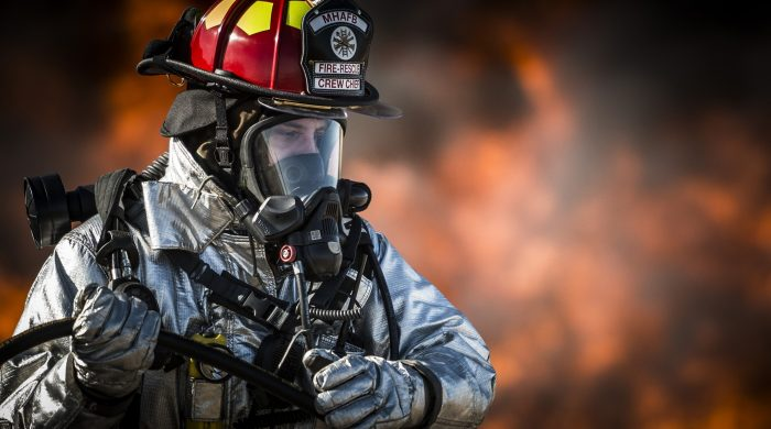 gas mask as protection in fire
